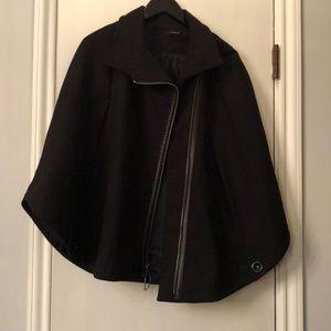 Drew preowned cape black size xs/s